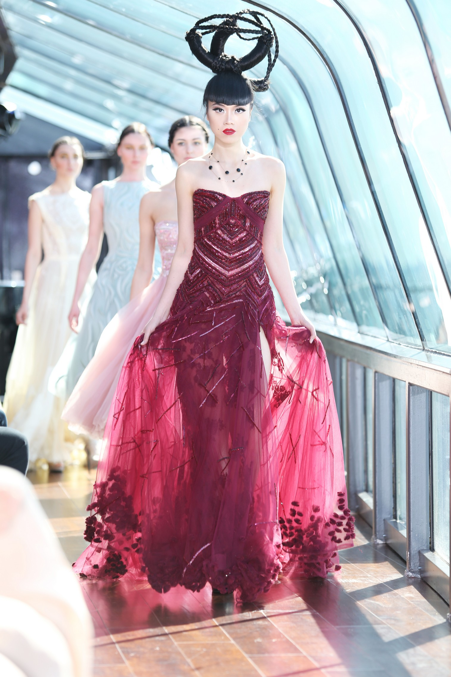 J Spring Fashion Show by Jessica Minh Anh -  Tony Ward Finale