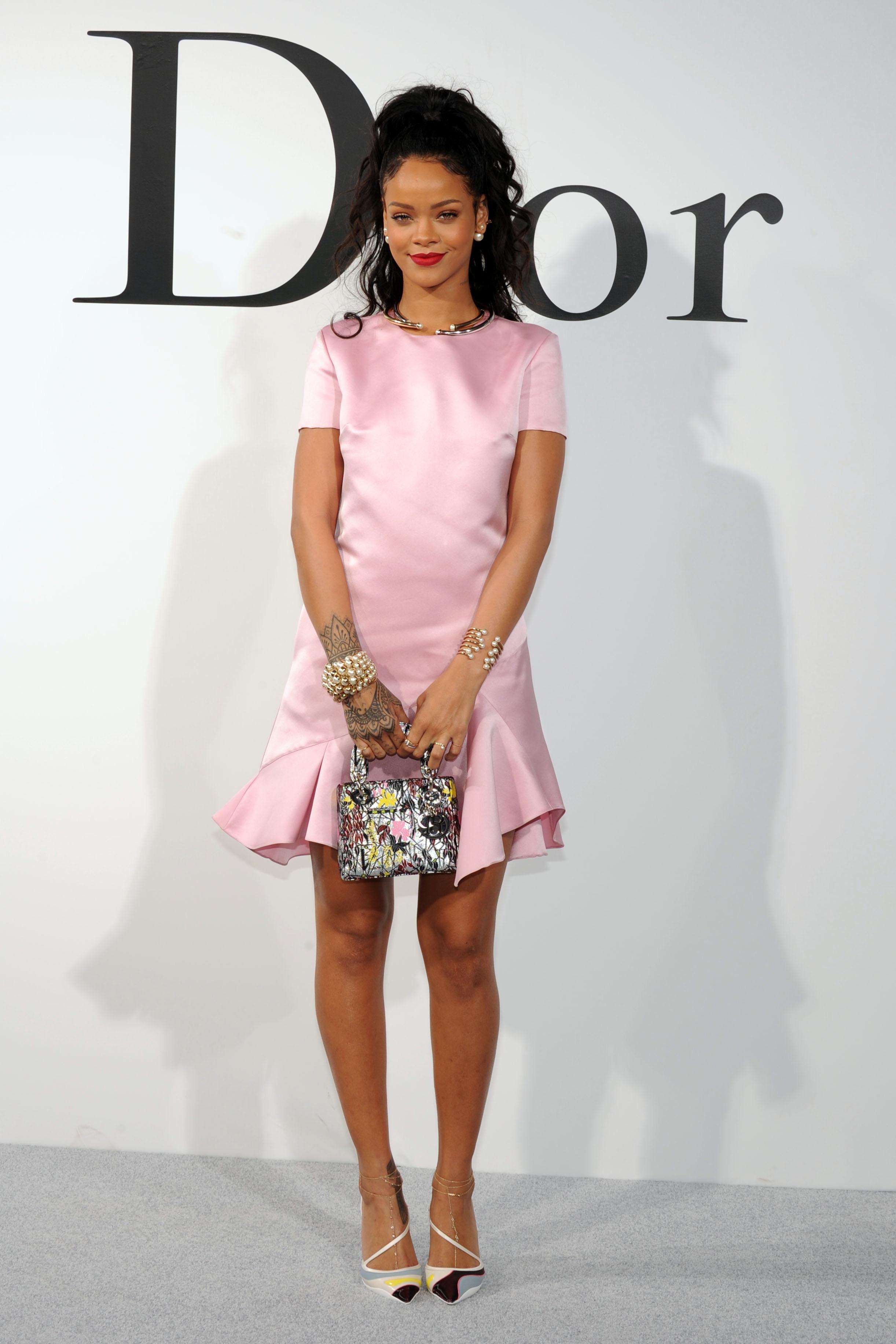 Rihanna-rosto-perfume-dior-secret-gardens