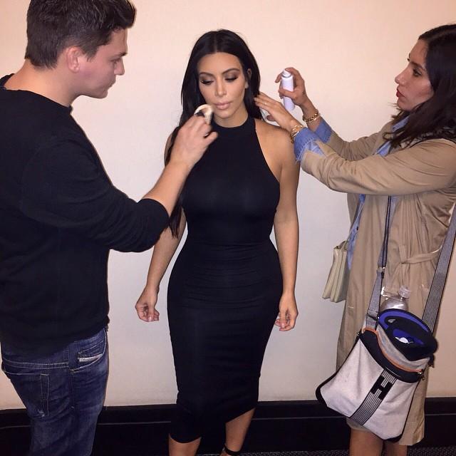 Kim-Kardashian-West-para-CEA-colecao-assinada-dia-dos-namorados-instagram-cea