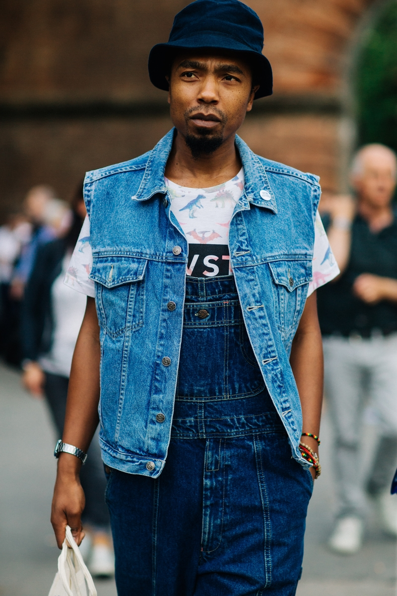Galeria De Fotos Eleg Ncia Cl Ssica E Juventude No Street Style Da Pitti Uomo Thumbs
