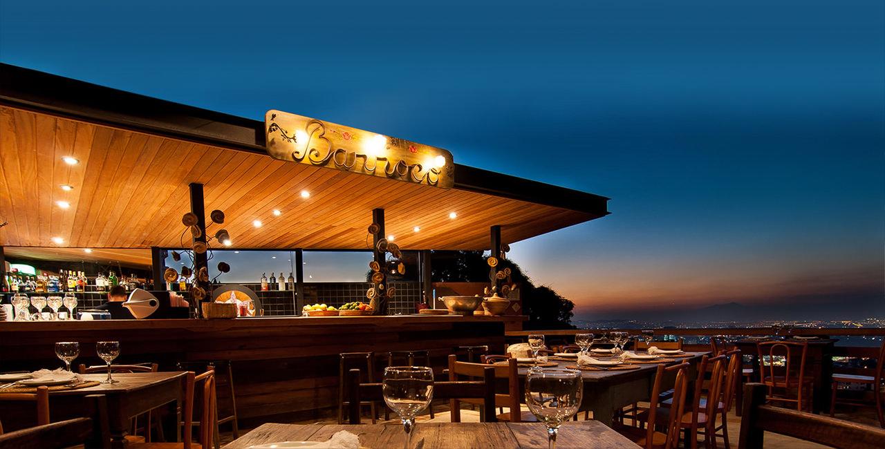 Ambiente aberto do restaurante-sensação Aprazível ©Reprodução
