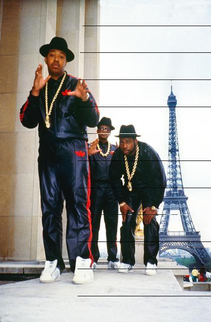 """O trio Rum-D.M.C. em foto de 1987, um ano antes de gravarem o hit """"My Adidas"""""""