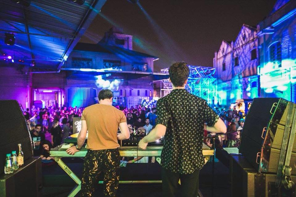 Augusto Olivani (aka Trepanado) e Millos Kaiser, dupla de DJs e produtores musicais da Selvagem ©Cortesia