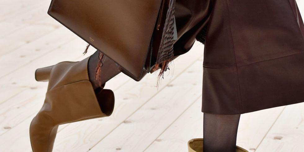 A bota curta, uma das tendências da estação, no desfile da Céline Verão 2017