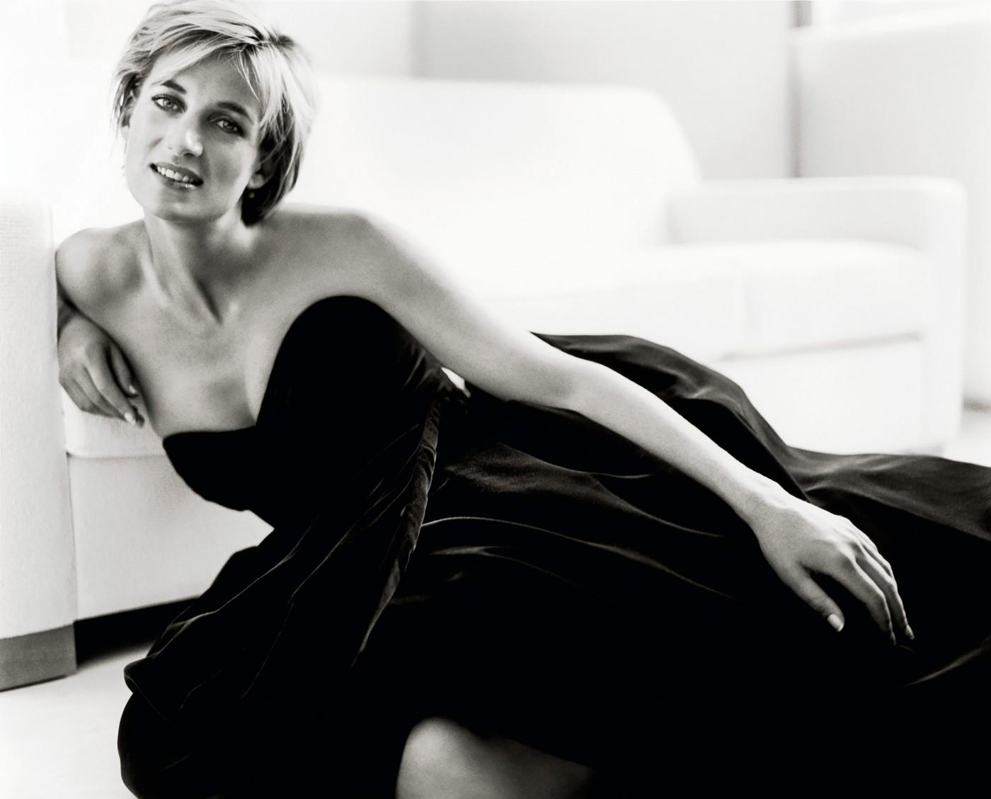 A princesa Diana fotografada por Mario Testino ©Reprodução