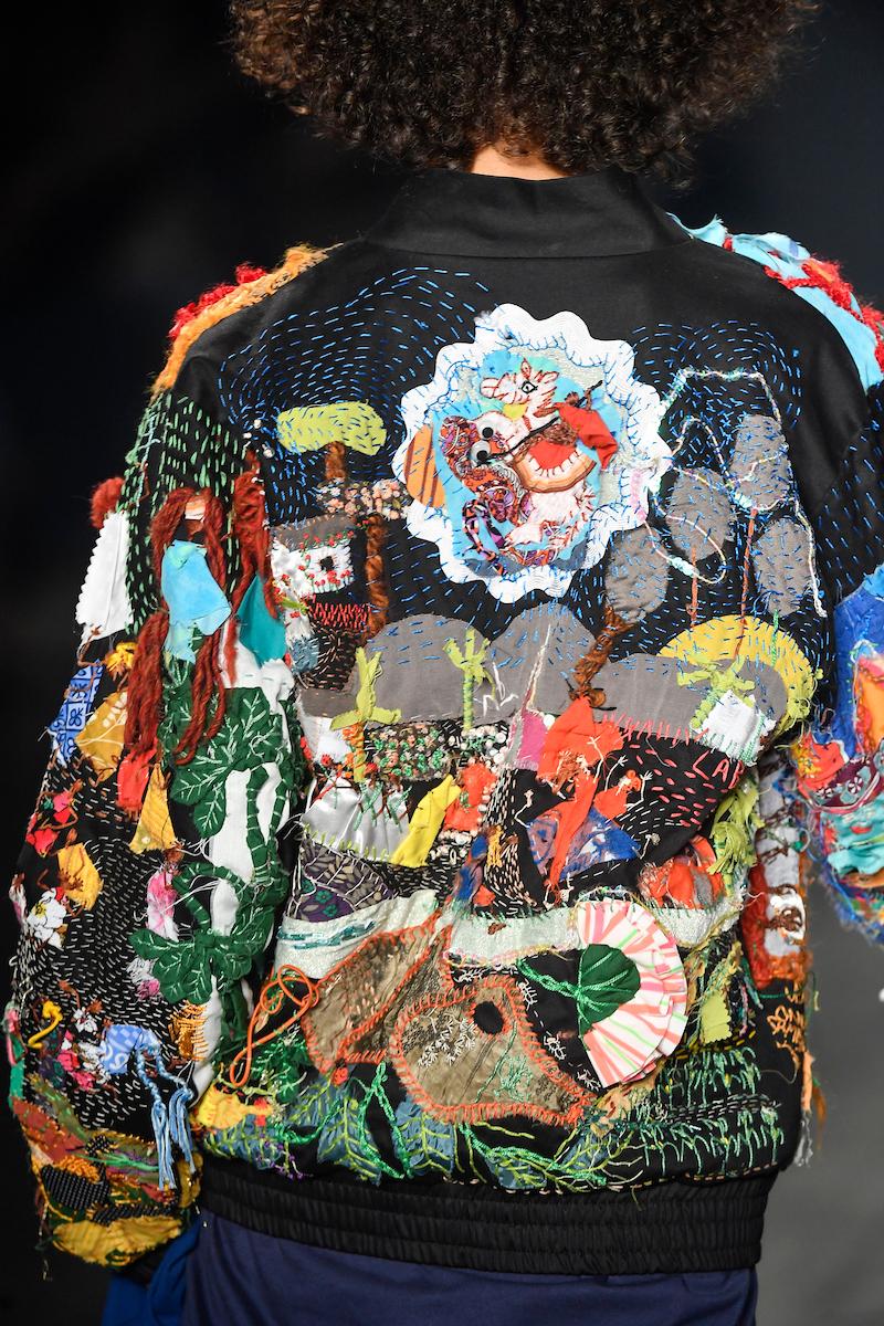Detalhe de bordado feito por dona Jacira, mãe da dupla ©Agência Fotosite