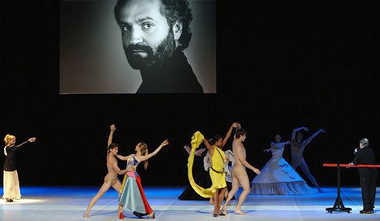 O balé em homenagem a Gianni Versace