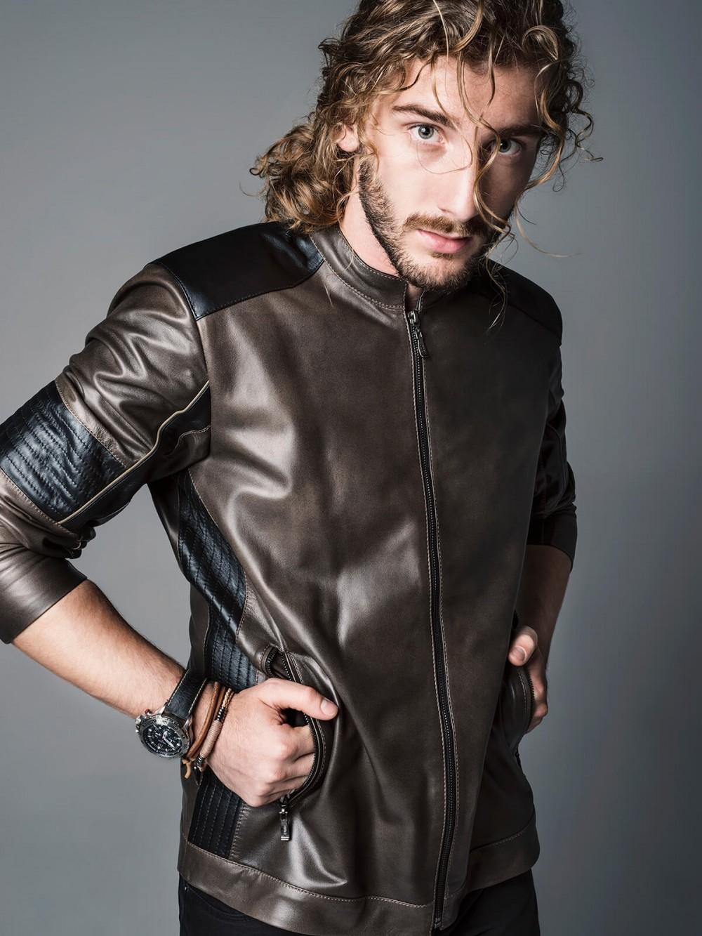 Um dos modelos de jaqueta de couro da Kalline