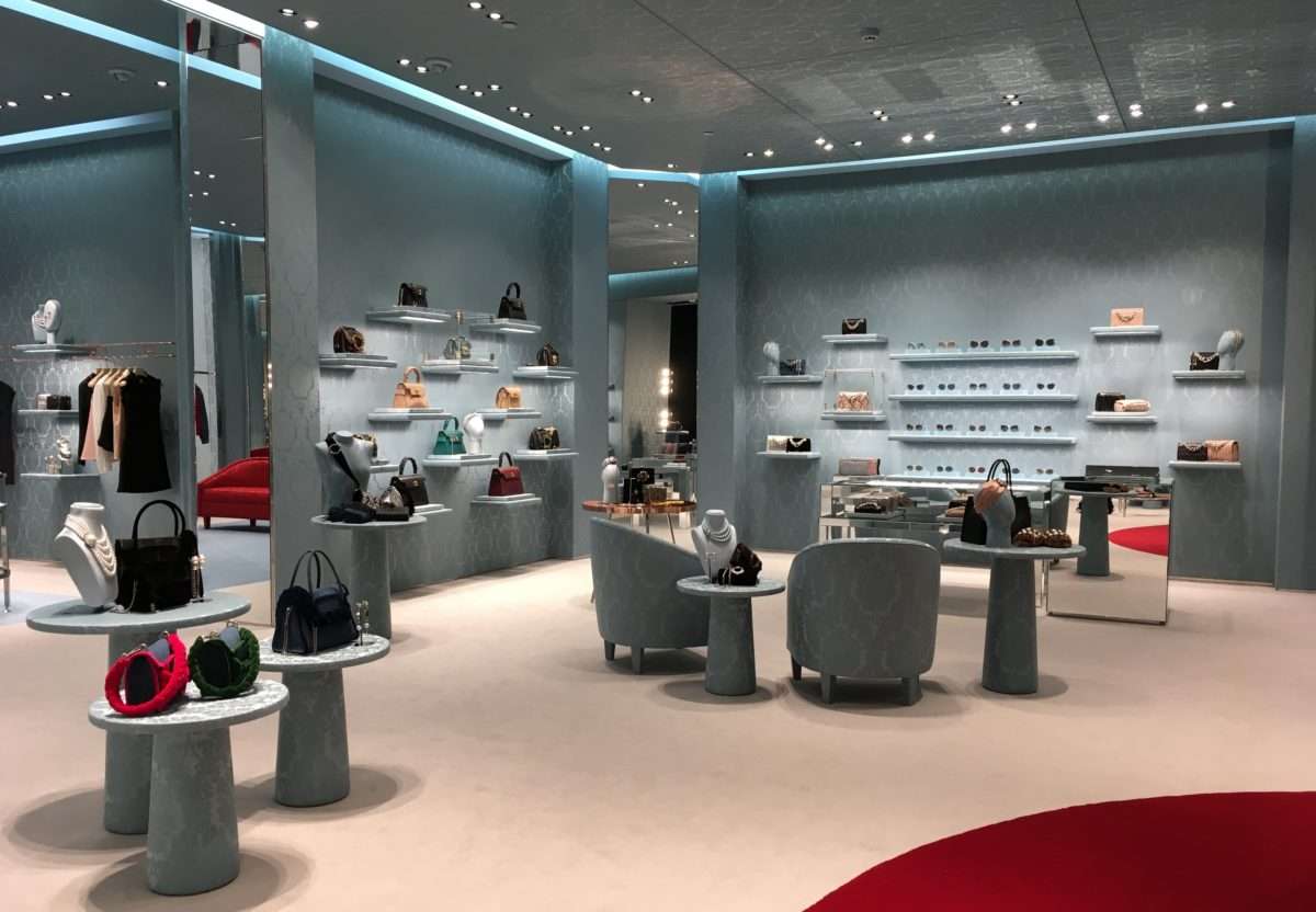 8337b8d382b9c Miu Miu reinaugura loja no JK Iguatemi com nova decoração e arquitetura     Notícias    FFW
