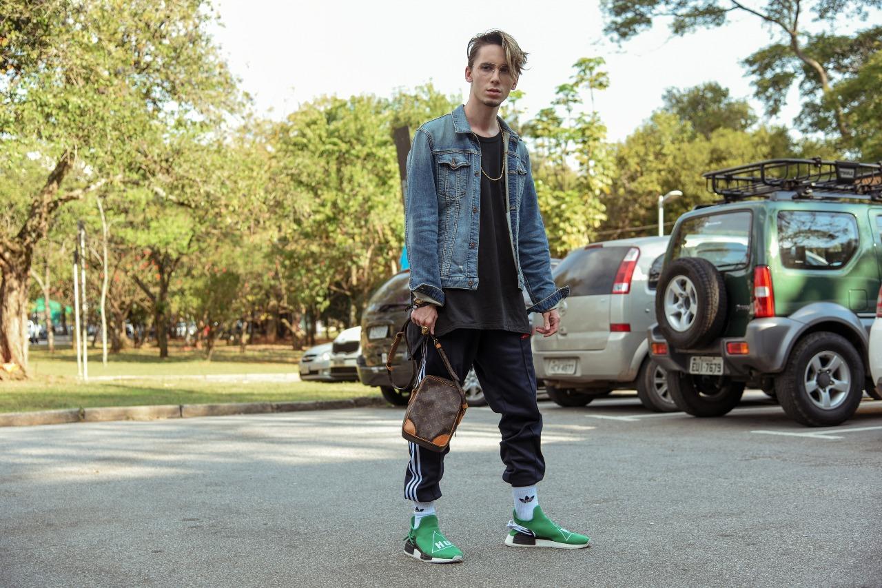 Galeria de Fotos Streetstyle FFW x Adidas  o look dos convidados do SPFW  N44    Foto 48    Notícias    FFW e41a063e6b