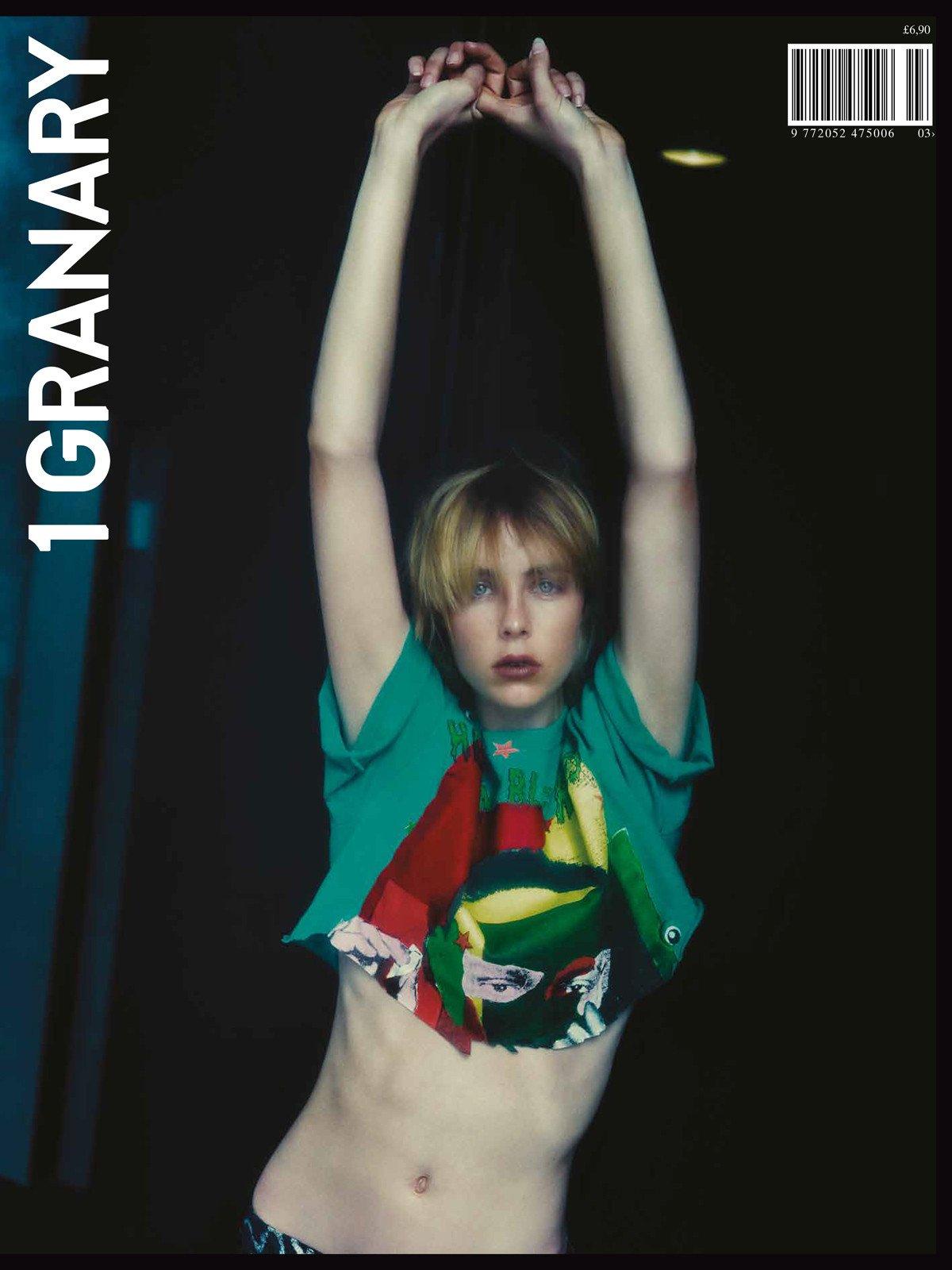 Capa da terceira edição com a modelo Edie Campbell / Reprodução