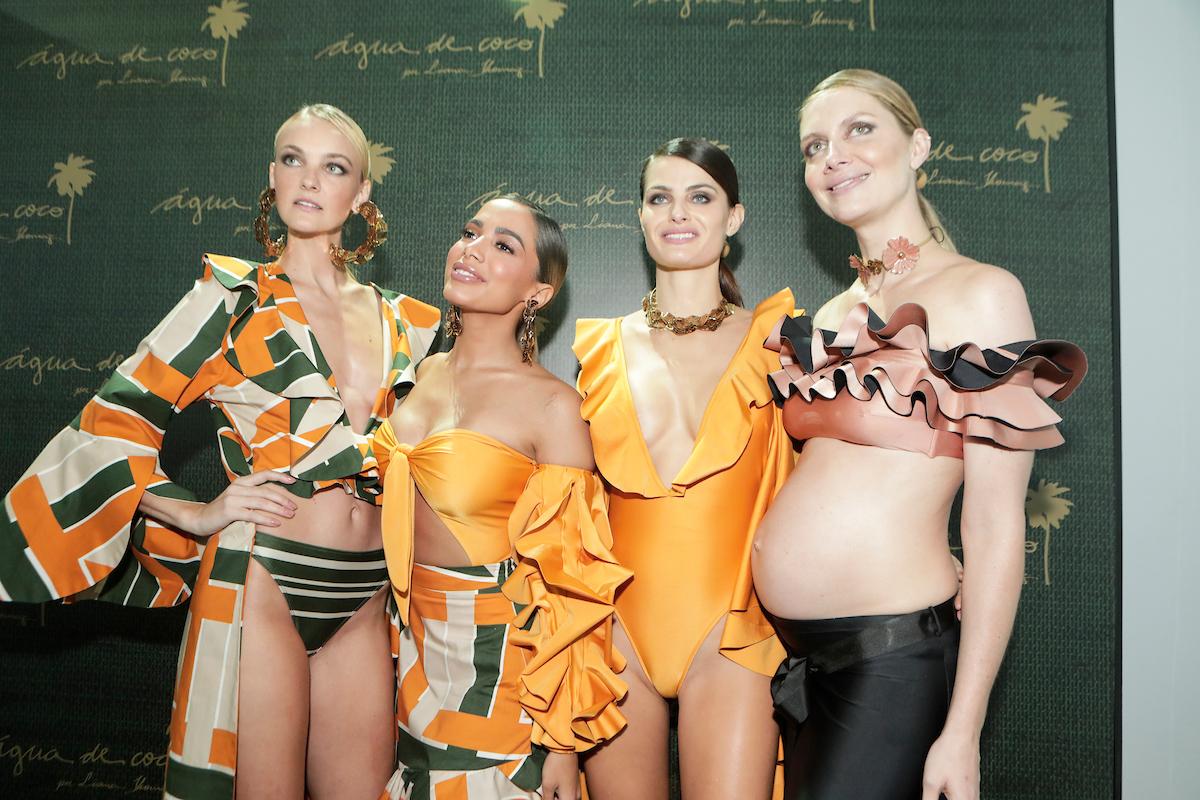 Carol Trentini, Anitta, Isabeli Fontana e Ana Claudia Michels no backstage da Água de Coco