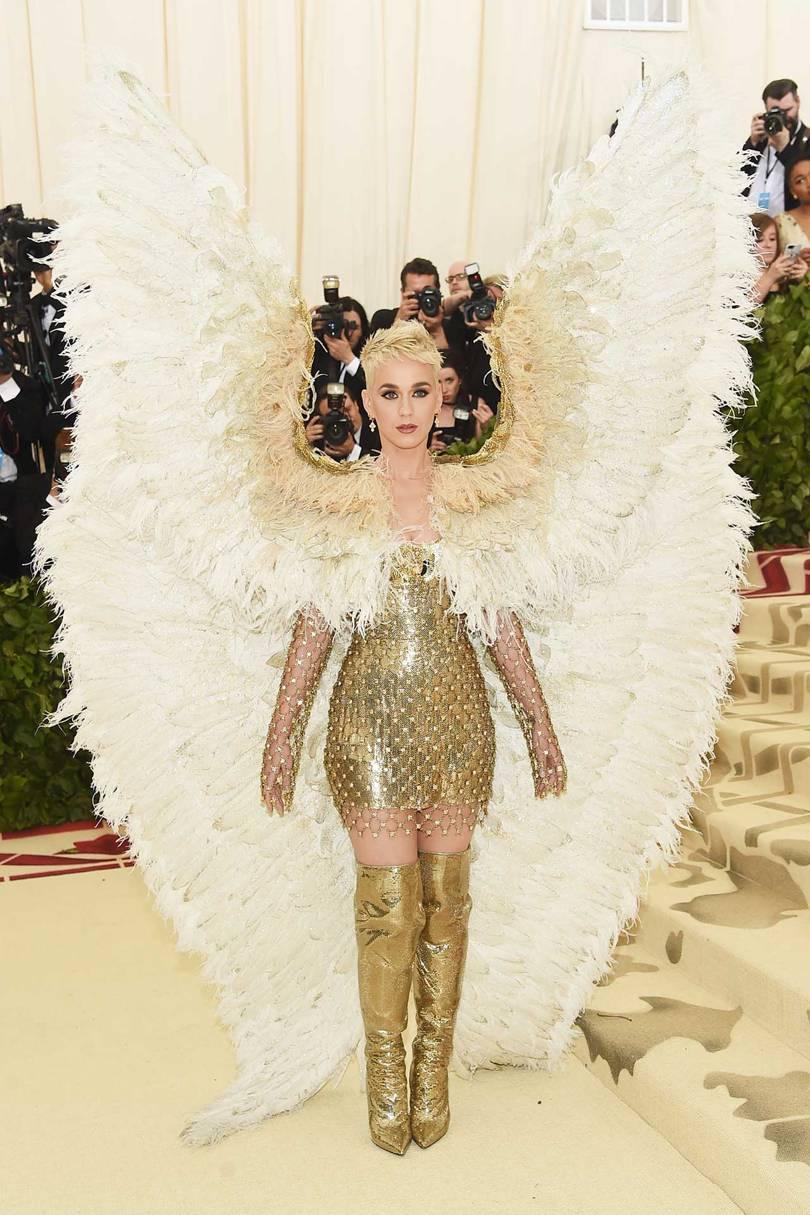 Katy Perry de Versace / Reprodução