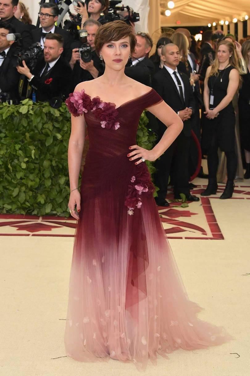 Scarlett Johansson de Marchesa / Reprodução