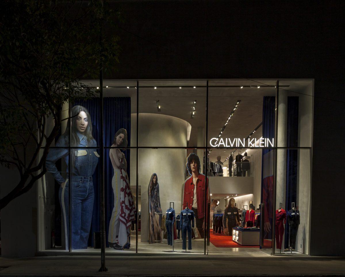 340380 802521 img 1503 t-reines. Veja a Galeria. A Calvin Klein inaugura  sua primeira flagship store em São Paulo, já com o projeto ... 1ccc714f47