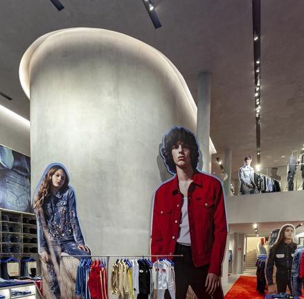 a33c0a997fdcc Calvin Klein abre sua primeira flagship store em São Paulo  veja ...