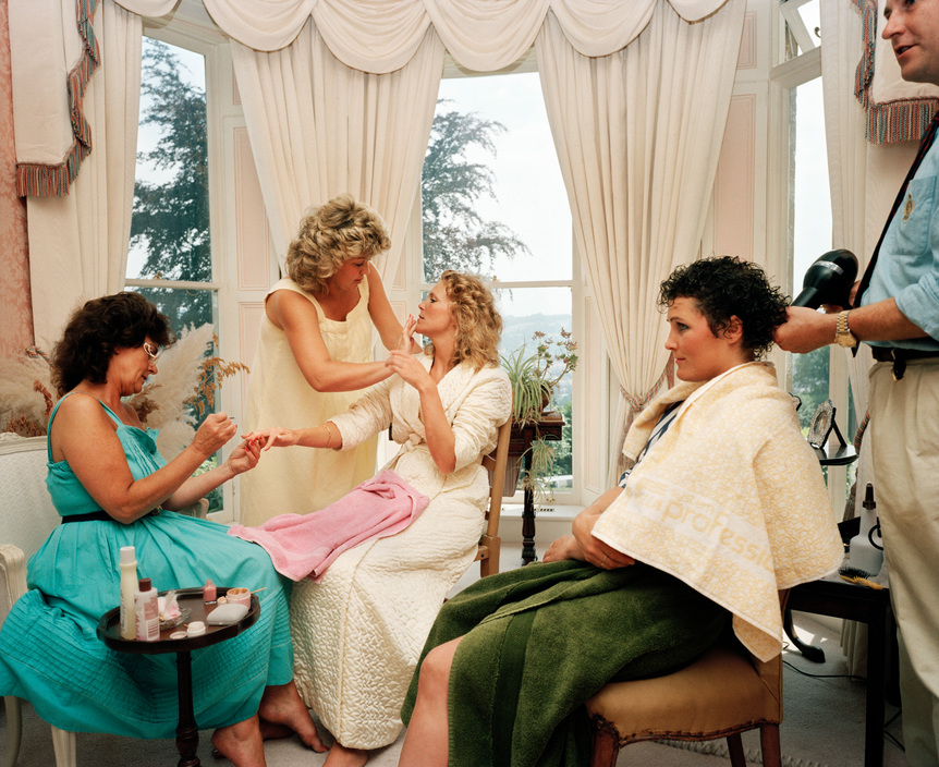 GB. England. Wedding preparations. From 'The Cost of Living'. 1986-89 / Reprodução