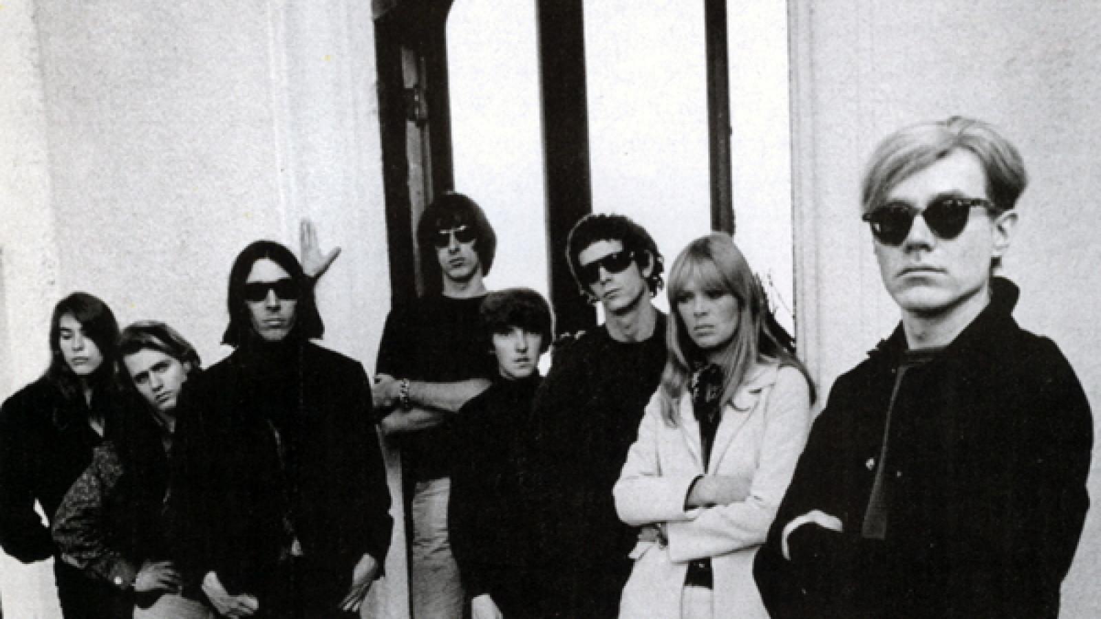 Andy Warhol com Nico e o Velvet Underground / Reprodução
