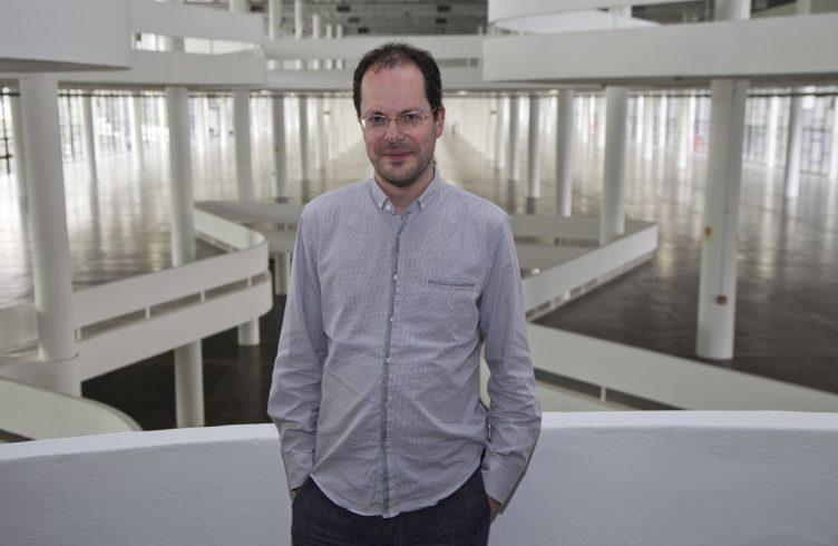 Gabriel Perez-Barreiro, curador da Bienal de São Paulo / Cortesia