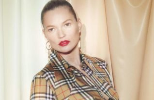 vivienne-westwood-burberry-campaign-2018-c-courtesy-of-burberry-david-sims-001-0