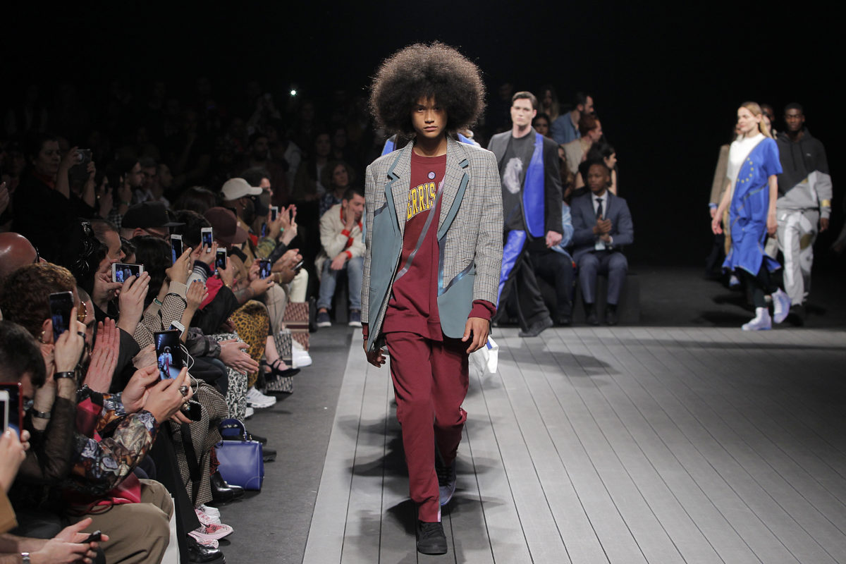 Fila final do desfile da Away To Mars na Lisboa Fashion Week / Foto: Ugo Camera