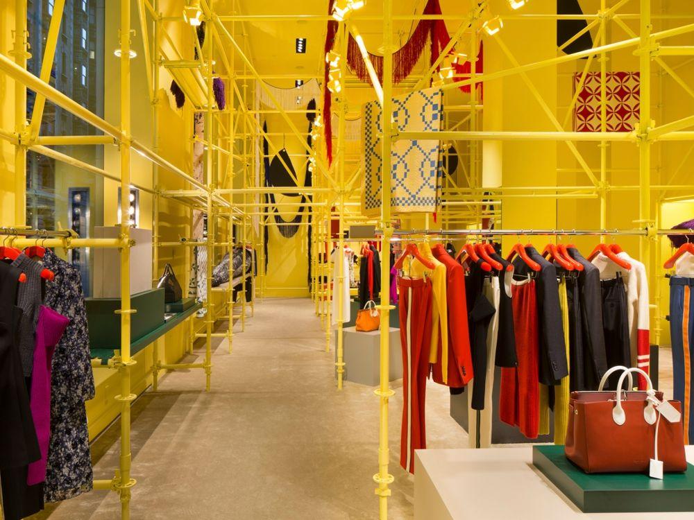 A loja enorme da Calvin Klein na Madison Avenue, em Nova York / Reprodução