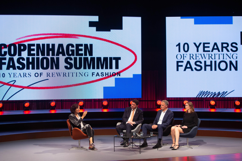 Sandrine Dixson-Declève (moderadora), Robert van de Kerkhof, Roberto Canevari e Emmanuelle Maire / Foto: Ole Jensen/Getty Images para Copenhagen Fashion Summit