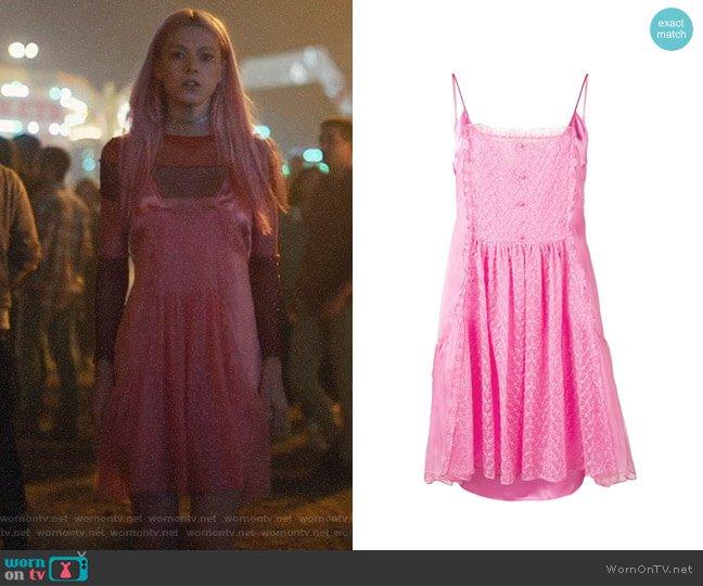 Vestido de Stella McCartney em Jules / Reprodução