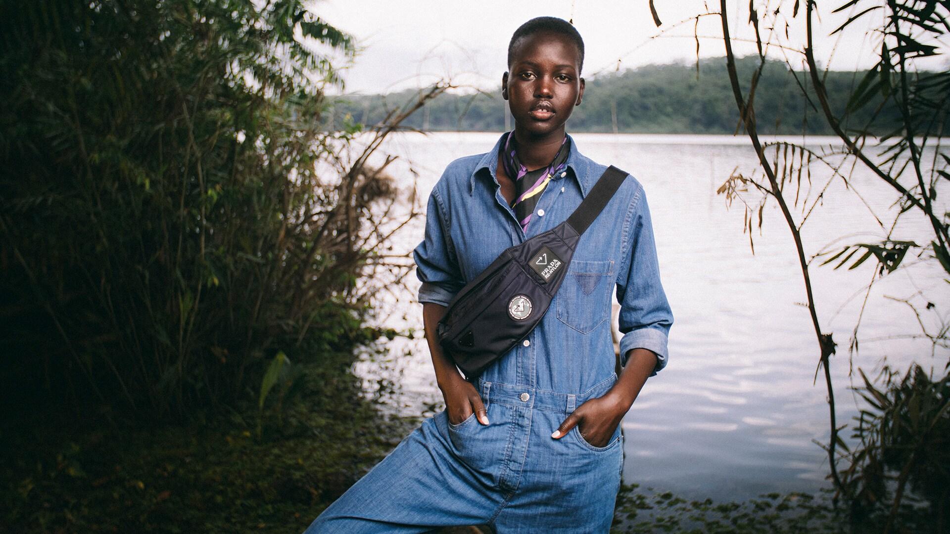 A modelo Adut Akech na campanha Re-Nylon da Prada / Cortesia