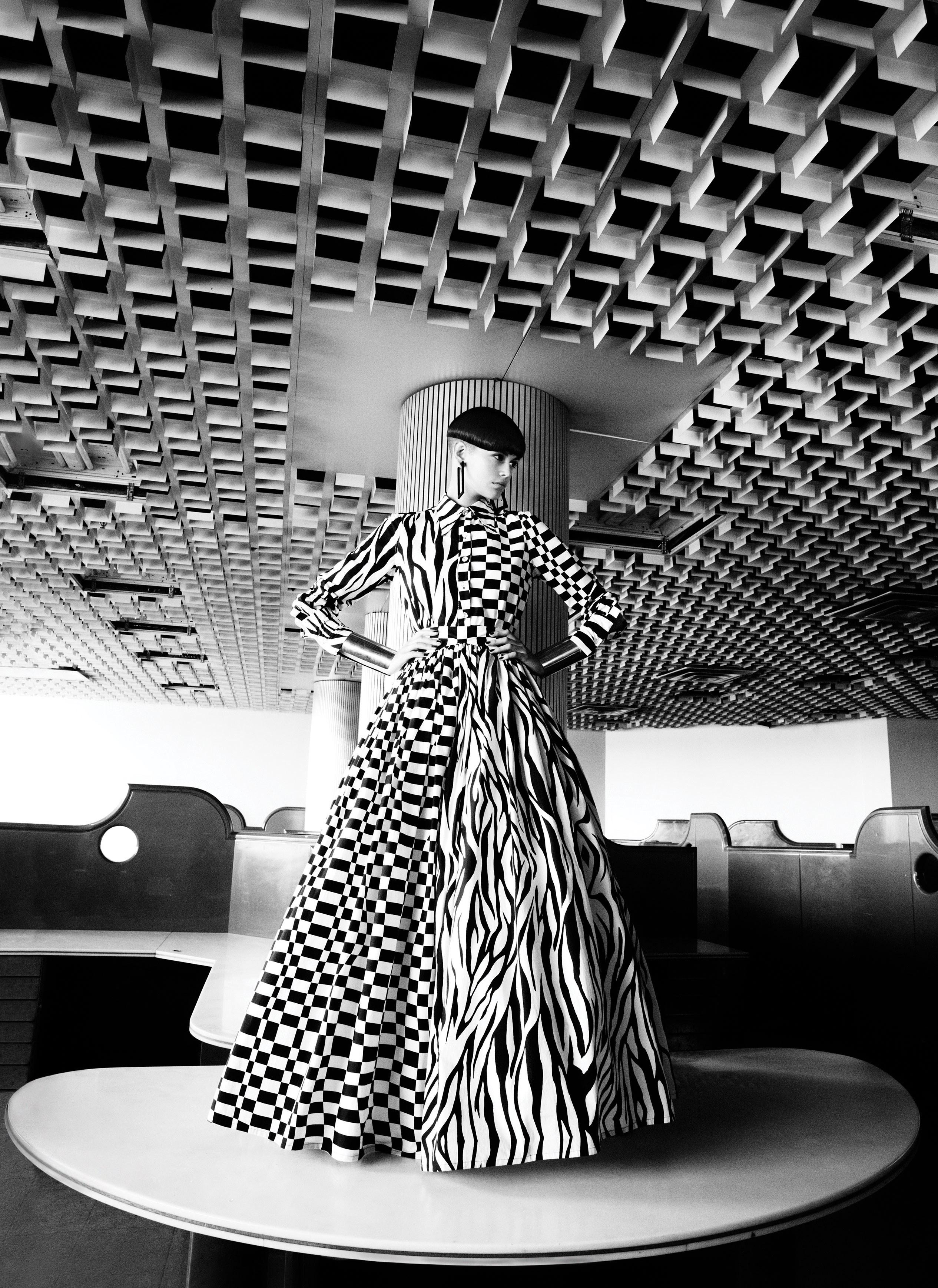 Kaia Gerber em look de Christopher Rogers para a Vogue de novembro / Reprodução