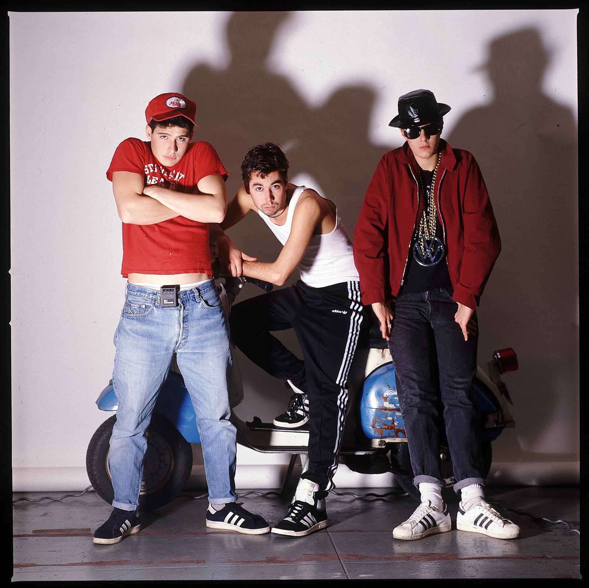 Os Beastie Boys em 1986 usando Adidas Campus, Concord e Super Star / Reprodução
