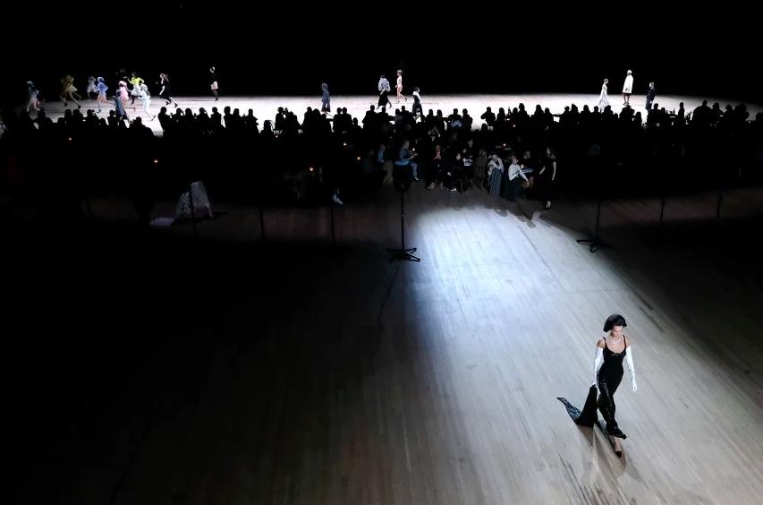 Bella Hadid no desfile de Marc Jacobs / Reprodução