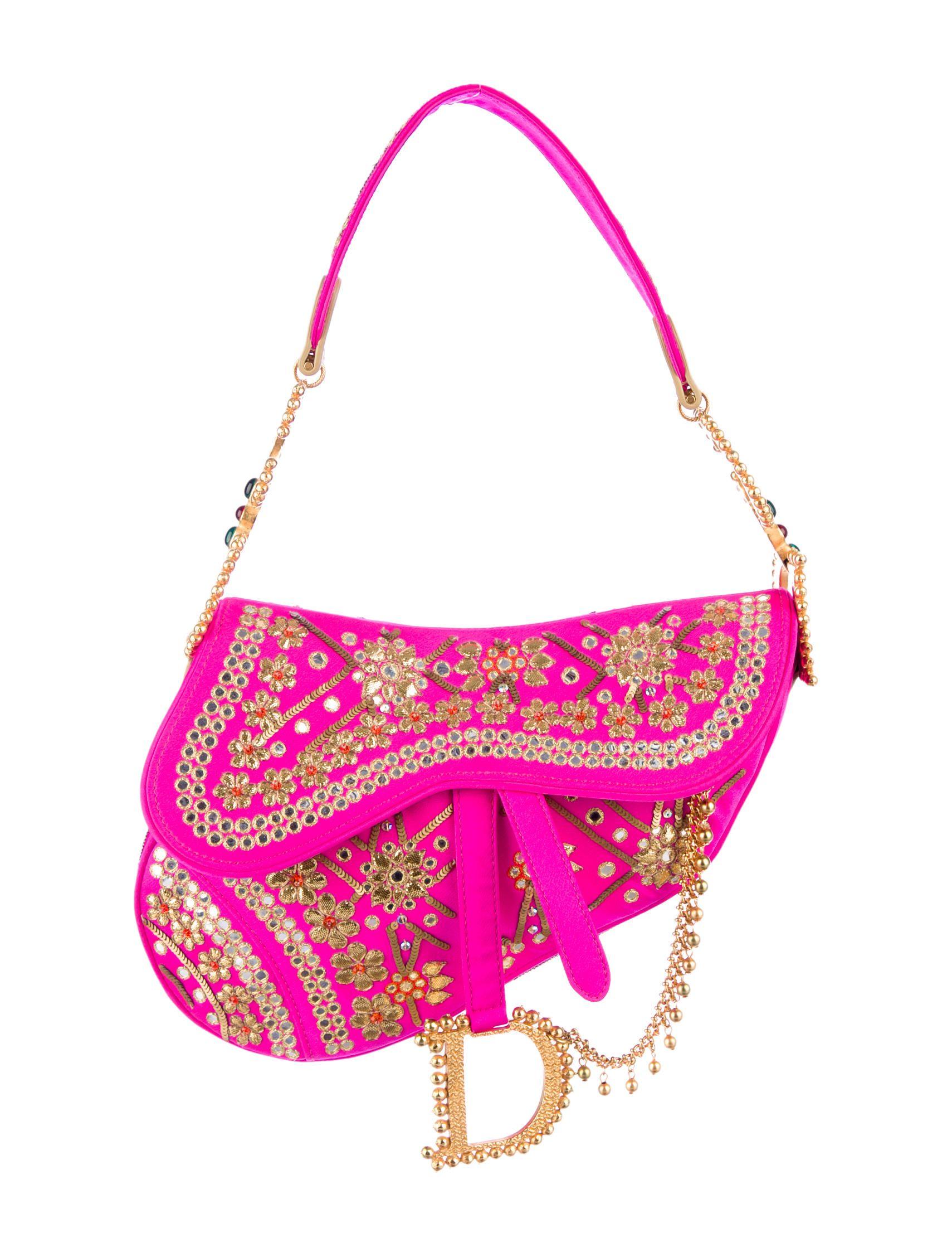 Saddle bag da Dior, bordada na India / Reprodução