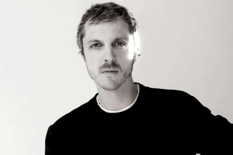 O designer belga Glenn Martens / Reprodução