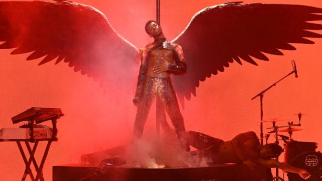 Lil Nas X no Saturday Night Live   Reprodução Youtube