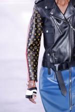 8. COURO NO VERÃO (Louis Vuitton)