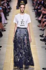 Roupa mensageira - Dior