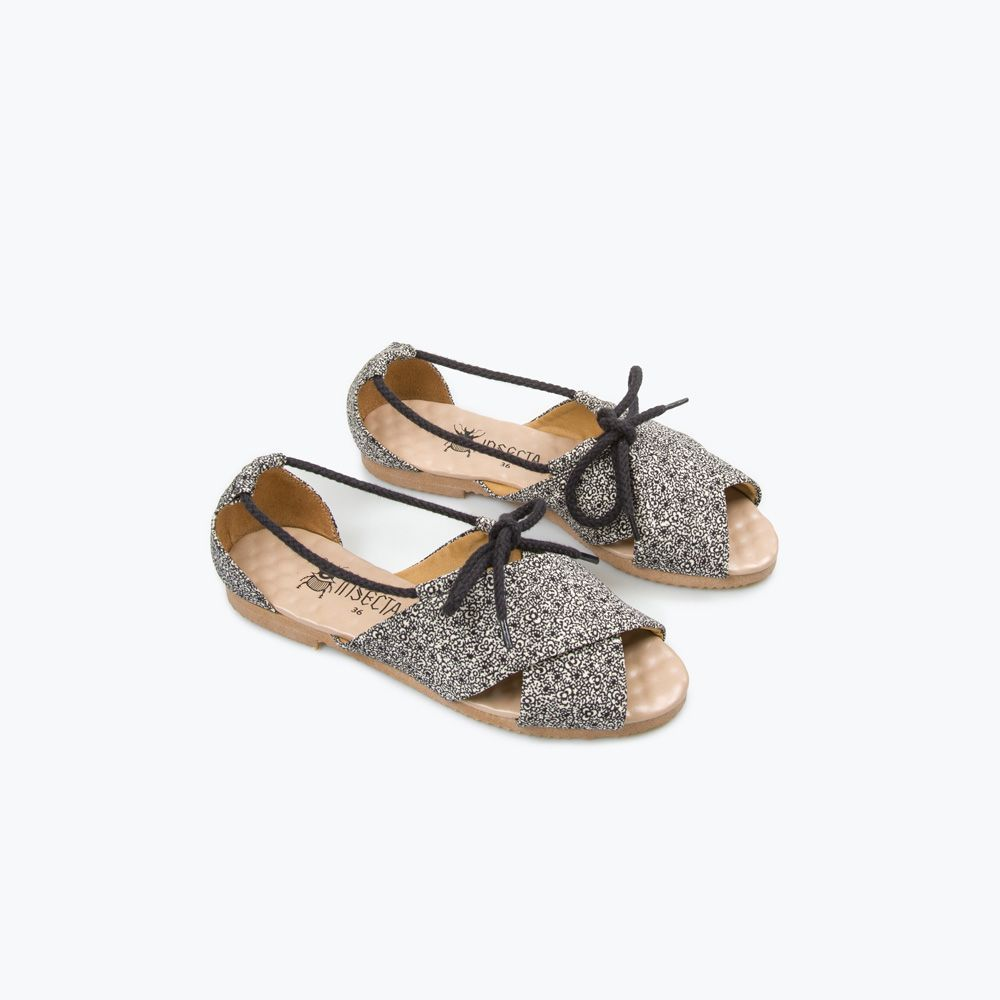 Insecta Shoes, R$ 279,00